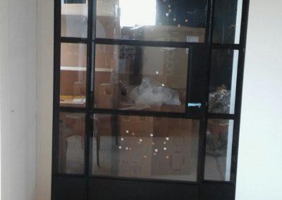 Stalen deur gelaagd glas